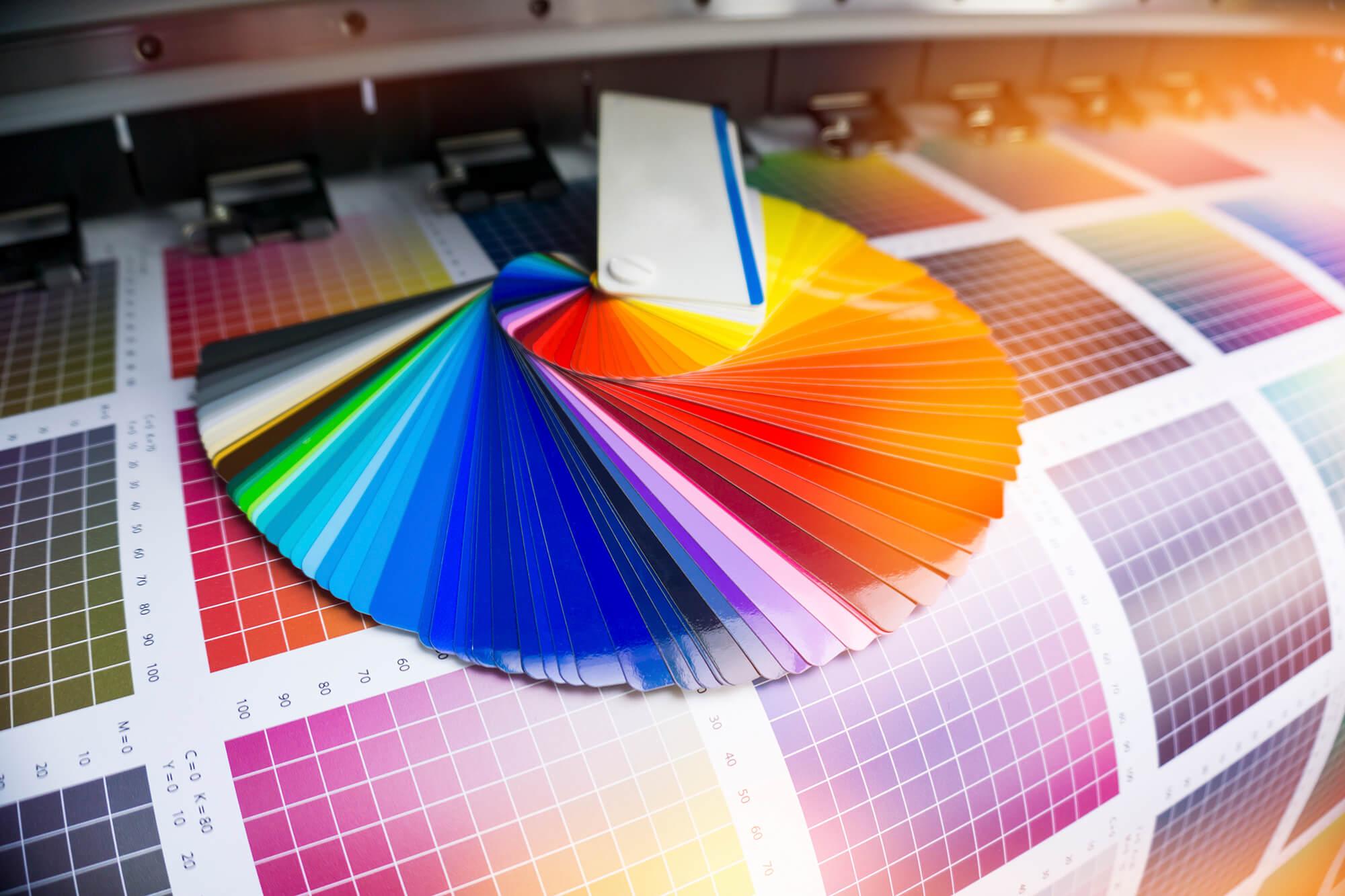 druk kolorowy, wydruk kolorowy, kolorowy druk na drewnie